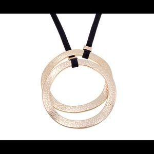 MARLA WYNNE Necklace Hammered Gold Double Ring New